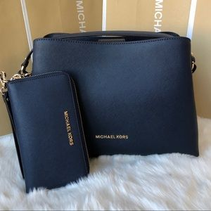 3771599d7554 Listing not available - Michael Kors Handbags from Curtiss s closet ...